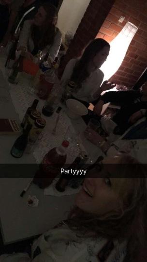 snapchat party drinks pregame Linköping läkarprogrammet festivallen